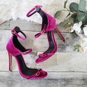 Liliana crushed velvet strappy heels size 7
